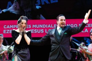La pareja ganadora del mundial de tango escenario 2015.  Foto:  Rodrigo Néspolo
